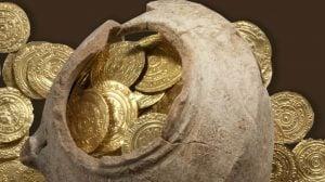Monede de aur descoperite cu un detector de metale